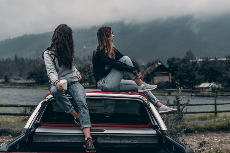 influenceuse voyage voiture